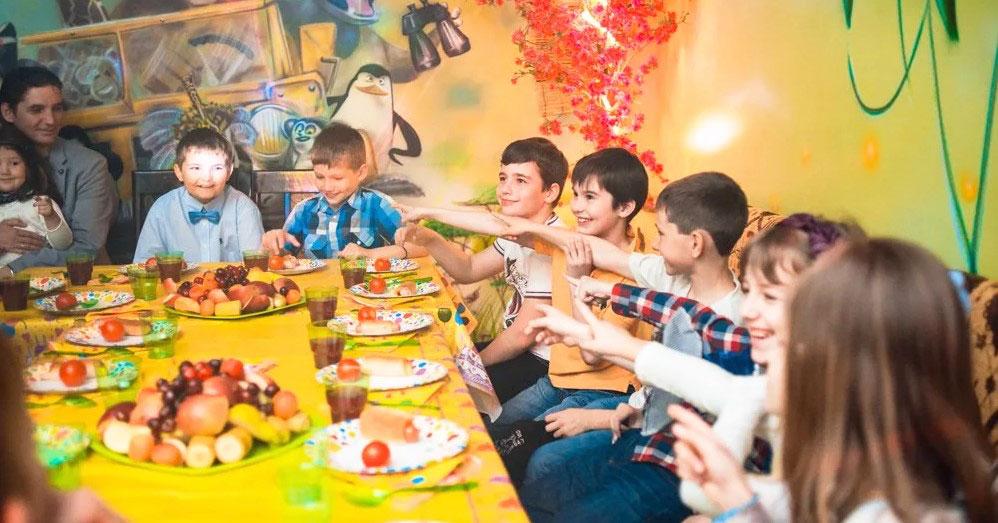 Кейтеринг в детской студии